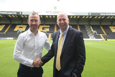 Ian Kirke with Notts County manager, Shaun Derry